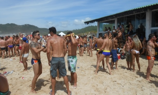 Bar do Deca terá trio na parada LGBT de Floripa 2019. Ingressos à venda
