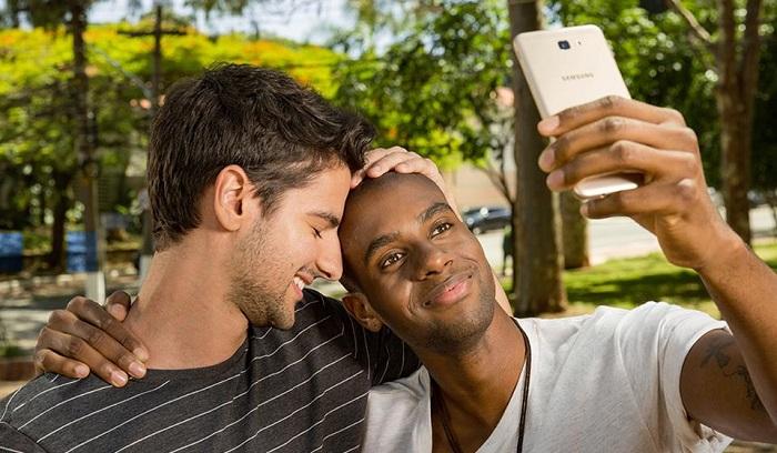 mil anuncios gays